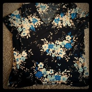 4$ Jaclyn Smith blouse (no tag)